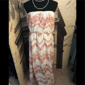Nice strapless maxi dress by No boundaries